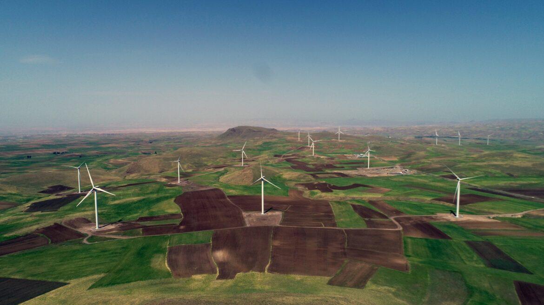 سنکرون نیروگاه بادی آقکند با شبکه سراسری کشور
